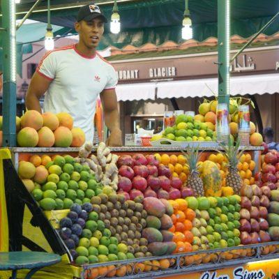 Obst im Souk von Marrakesch am Platz der Gaukler